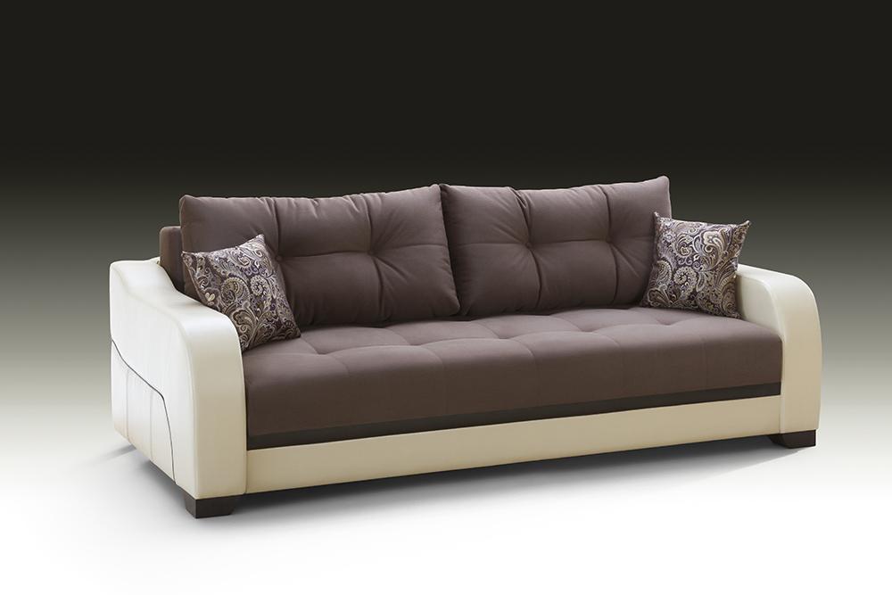Бежево-белый диван с подушками