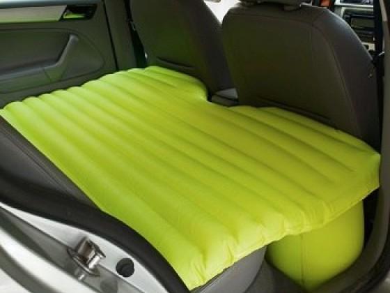 Салатовый матрас для заднего сиденья в машине