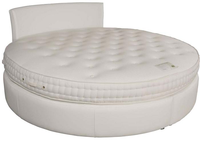 Необычная круглая белая кровать