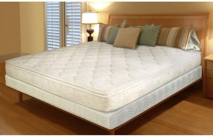 Бежевая кровать в комнате