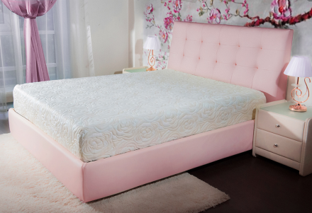 Анатомический матрас для розовой кровати