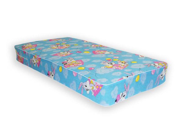 Разноцветный матрасик в кровать для ребенка