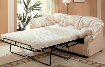 Кремовый диван для бежевой комнаты