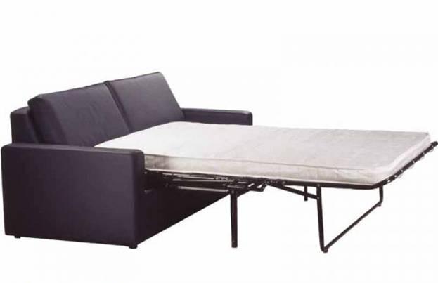 Черный диван с белым матрасом