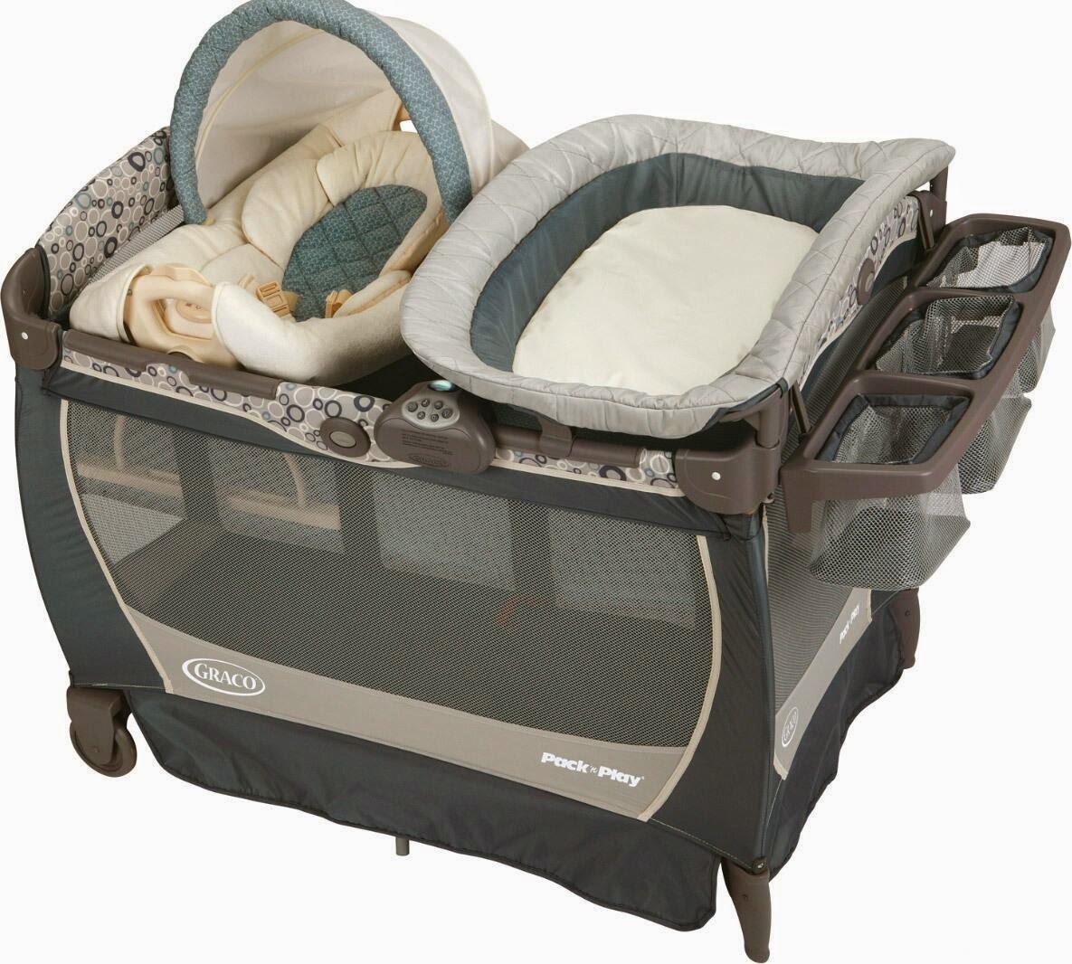 Полностью укомплектованная кроватка-манеж для новорожденного