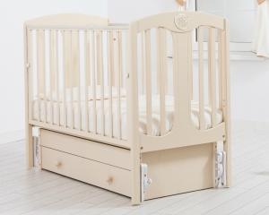 Детская бежевая кроватка