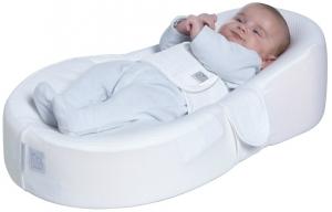 Новорожденный на специальном матрасе